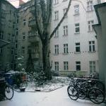 Hinterhofblick von Schnittraum 1 (Zi 1)