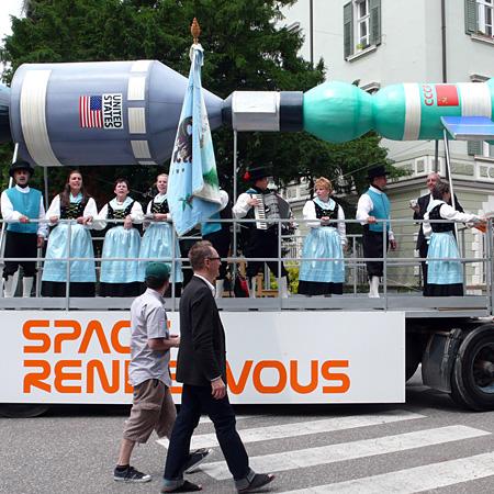 Space Rendezvous / Carro Largo